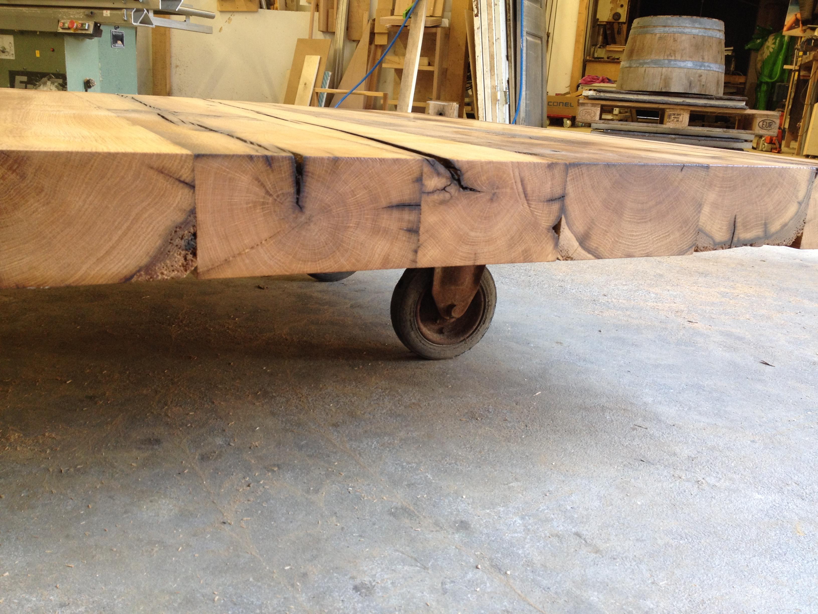 tisch aus alten eichenbalken fachwerk antik. Black Bedroom Furniture Sets. Home Design Ideas
